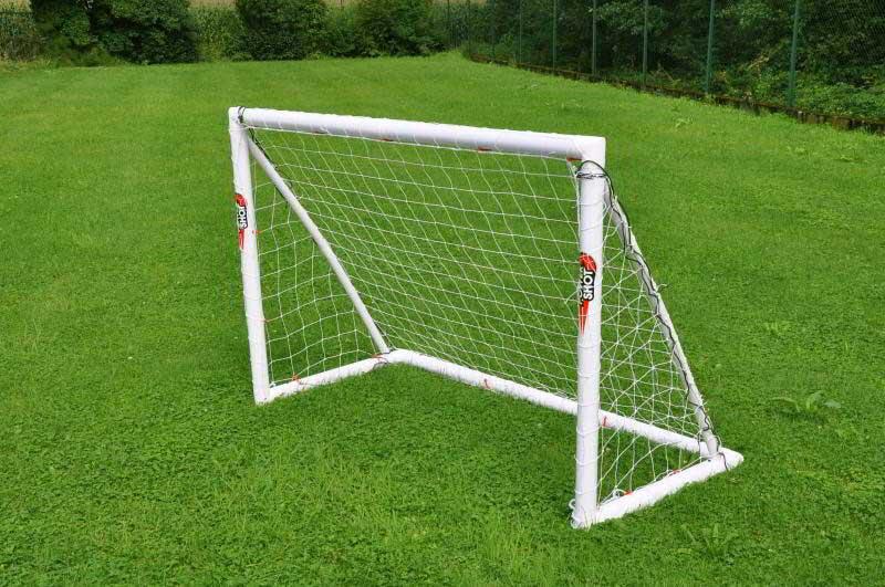Porte da calcio per bambini materiali prezzi e sicurezza for Porta kinder