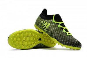 Scarpe da calcetto Adidas: 5 modelli a confronto con prezzi e offerte