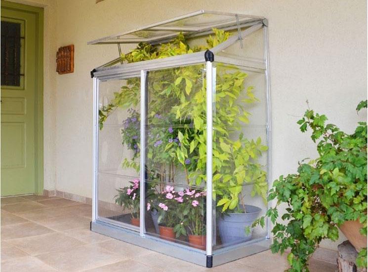 Serra da balcone dimensioni materiali e prezzi delle for Mini serra da balcone