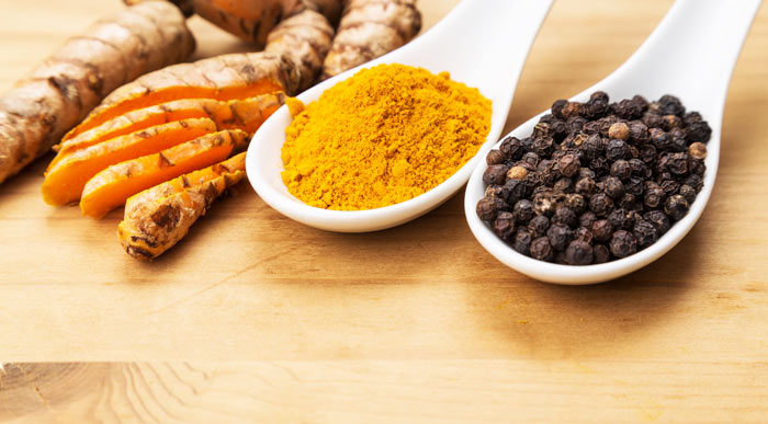Ingredienti delle capsule Piperina e Curcuma Plus