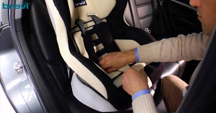Seggiolino da auto per bambini Brevi