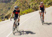 Completo da ciclismo: Quale scegliere? Guida con classifica dei migliori corti, estivi e lunghi